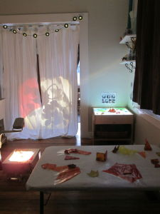 The Blue Jay Toddler Room: experiments with light and shadows